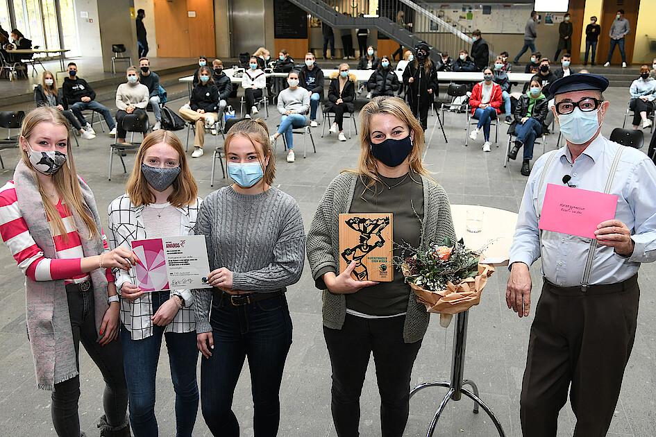 Boah glaubse - Herbert Knebel überreicht unserer Schule den Fairtrade-Award 2020